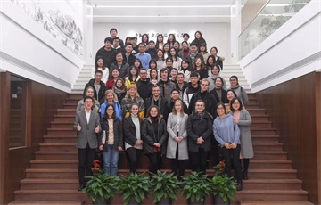 Chinese Elements, International Expressions – The Master of China Studies Students Visit China News Service